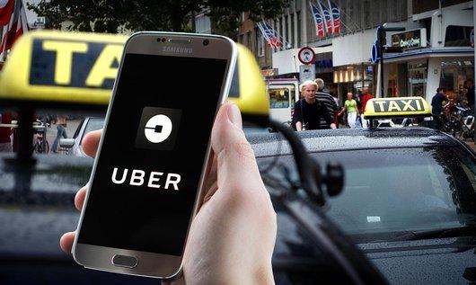 De Uber chauffeur. Zelfstandige of toch een werknemer?